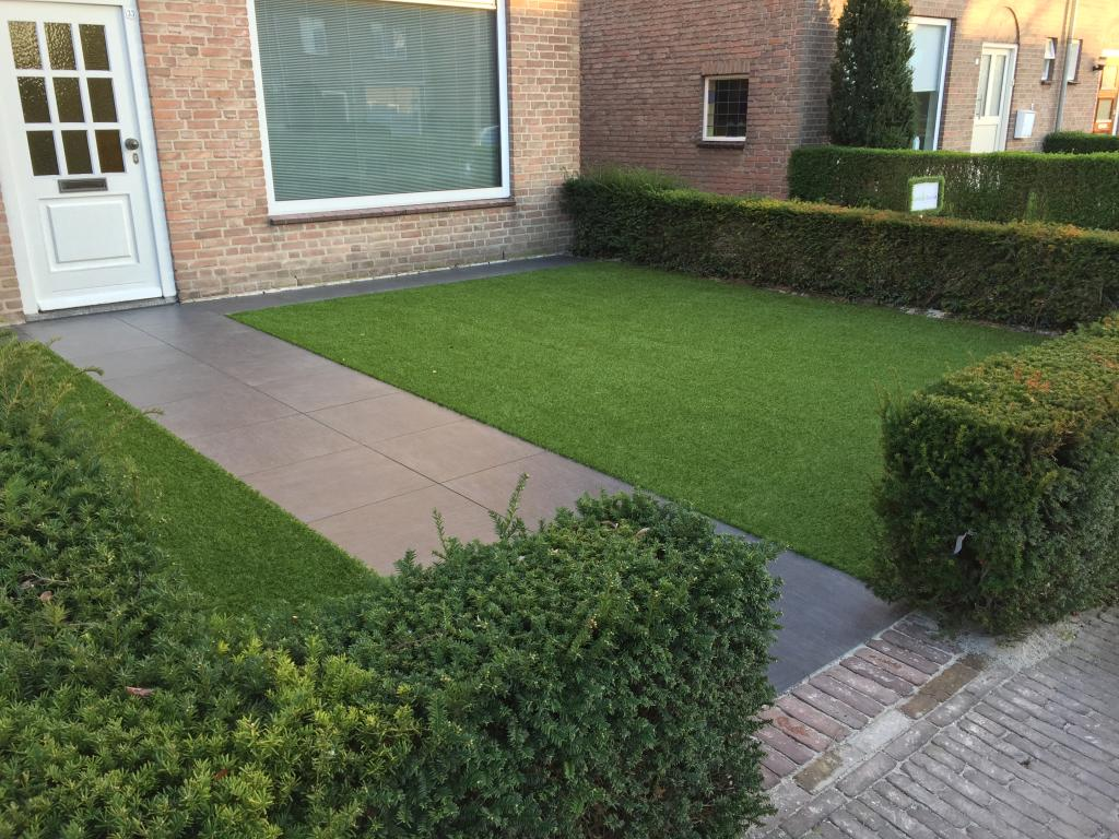 Kunstgras projecten en voorbeelden garden sense for Voortuin voorbeelden