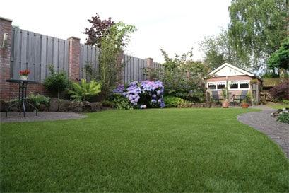 Tuin En Kunstgras : Kunstgras in de tuin leggen garden sense kunstgras brabant